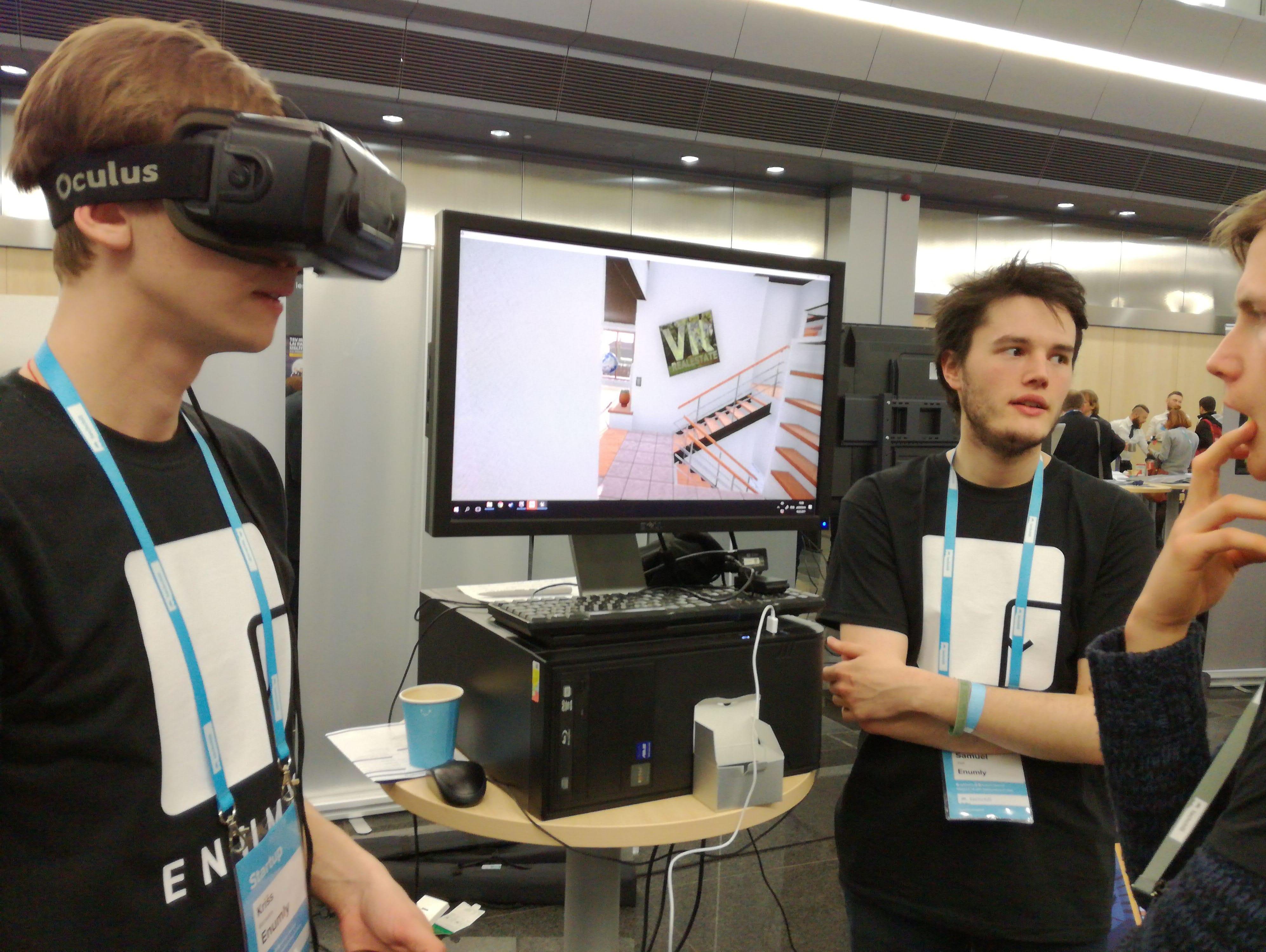 VR-min